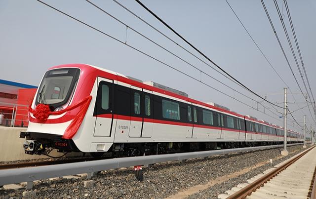 河北京车·绍兴轨道交通1号线首列车下线