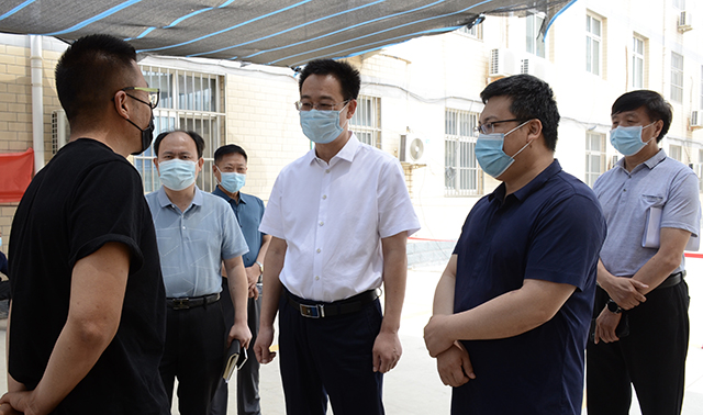 区委书记刘永胜督导调研新冠疫苗接种工作情况时要求 扎实做好疫苗接种工作 全面构筑人群免疫屏障